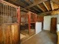 Innere des Stalls auf Drei-Eichen