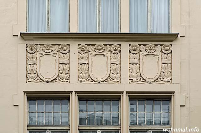 charlottenburg-meinekestrasse-10-fassadendetail