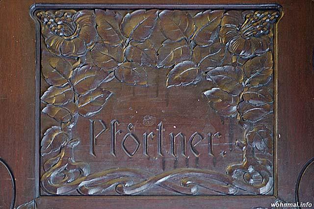 charlottenburg-meinekestrasse-10-pfoertnerschild