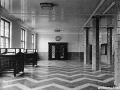 Schalterhalle des Postamtes Lichtenberg I, ca. 1930