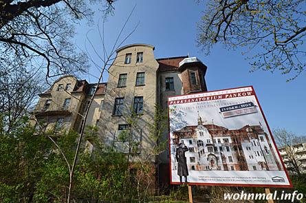 Ankündigung: Feine Wohnungen sollen bald im einstigen Park-Sanatorium entstehen. Die Geschichte der Villa im Park wird also fortgeschrieben. Foto: Sven Hoch