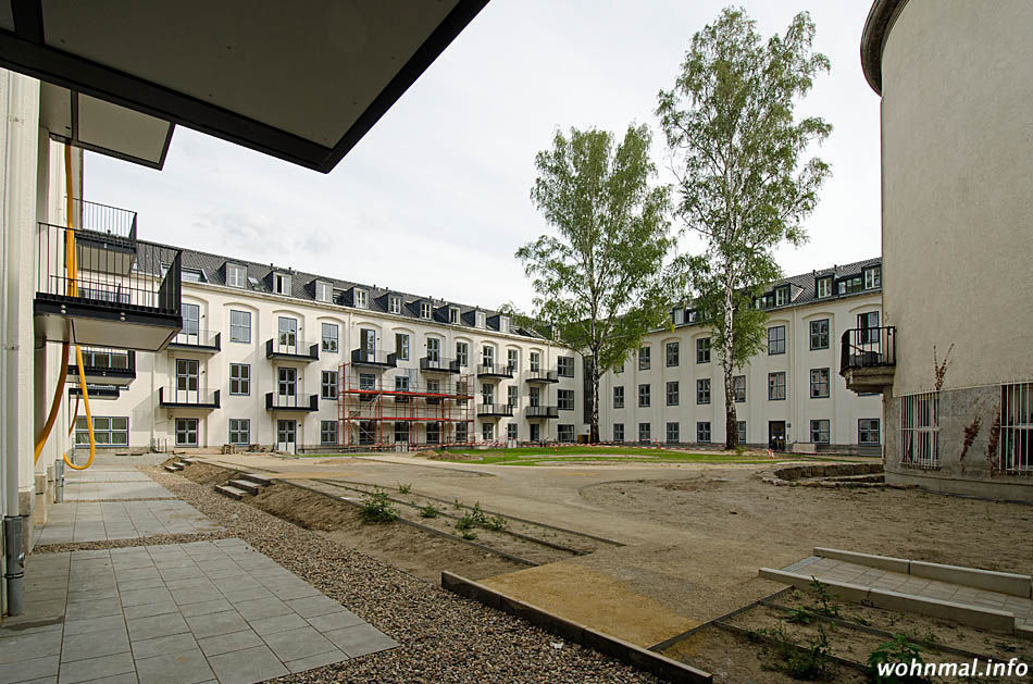 The Square - Blick auf den Ost- und Südflügel