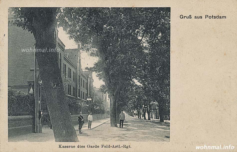 """Vom 4. Garde-Feldartillerie-Regiment belegte Gebäude der """"Roten Kaserne"""" auf einer Ansichtskarte von 1900. Abb.: Archiv Wohnmal.info"""