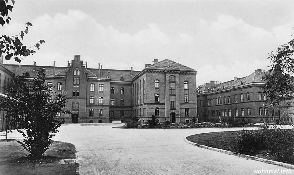 Mannschaftsunterkunft in der von der Nachrichtenabteilung 43 belegten Delius-Kaserne (Nordteil der Roten Kaserne) um 1938. Abb.: Archiv Wohnmal.info