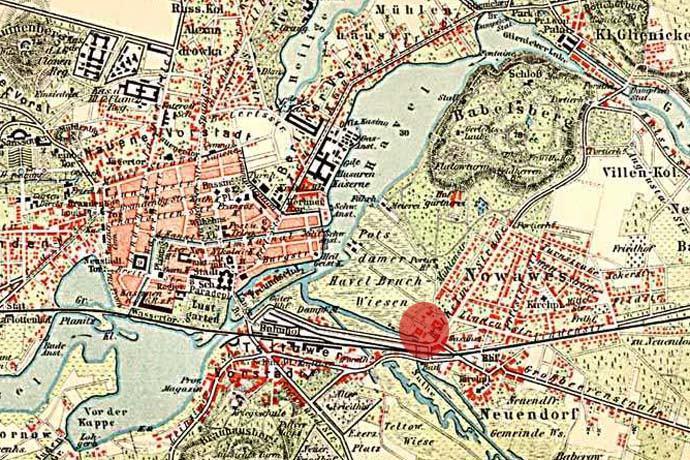 """Stadtplan von Potsdam um 1900 – Der rote Kreis markiert die Lage der """"Arntzschen Baumwollspinnerei"""" in Nowawes. Quelle:"""